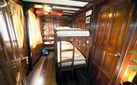 A green stateroom